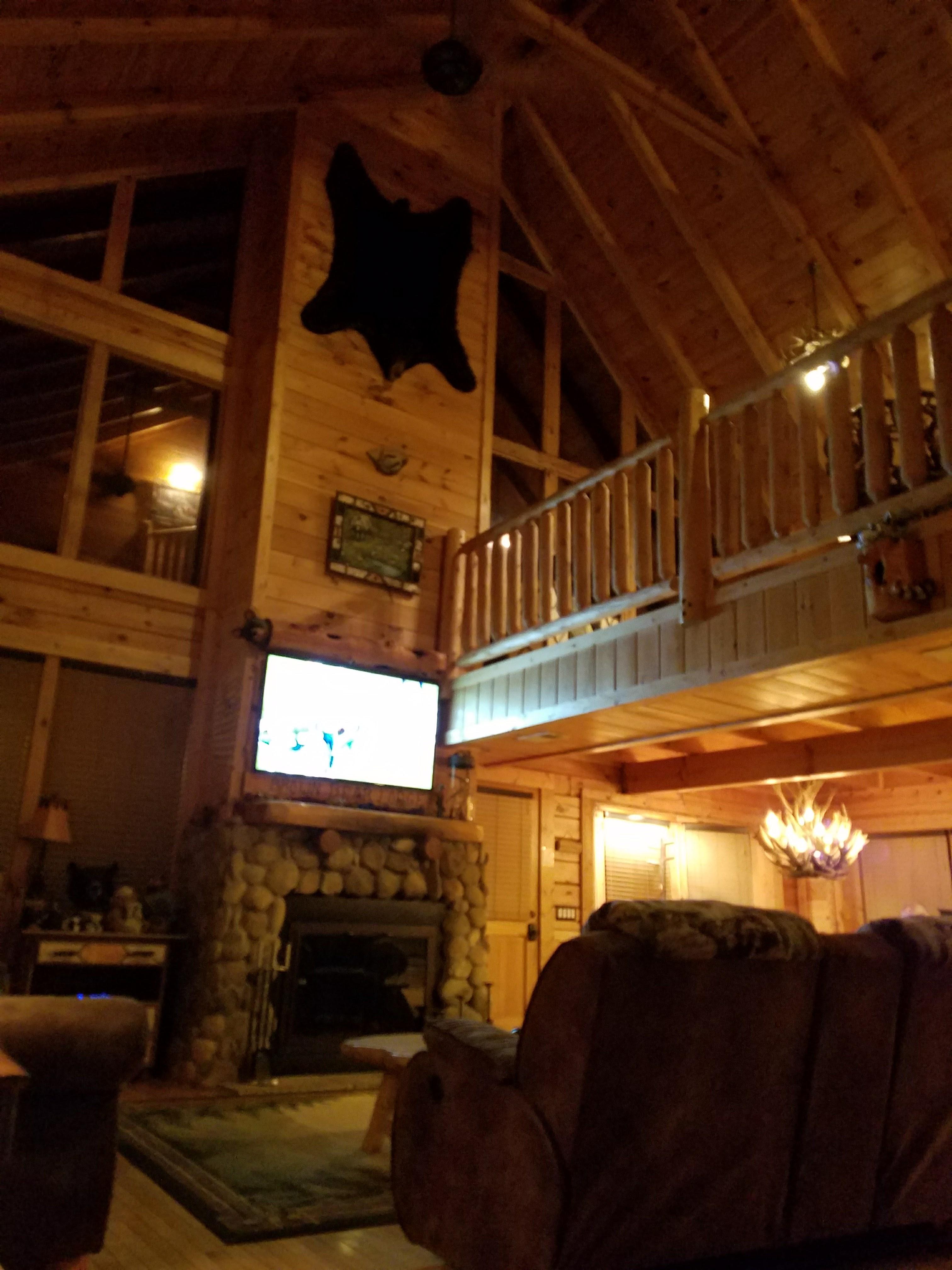 best romantic in cabin forge bedroom cabins pigeon hideaway rental