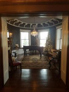 Unique Ohio Lodging @ Sebring Mansion & Spa