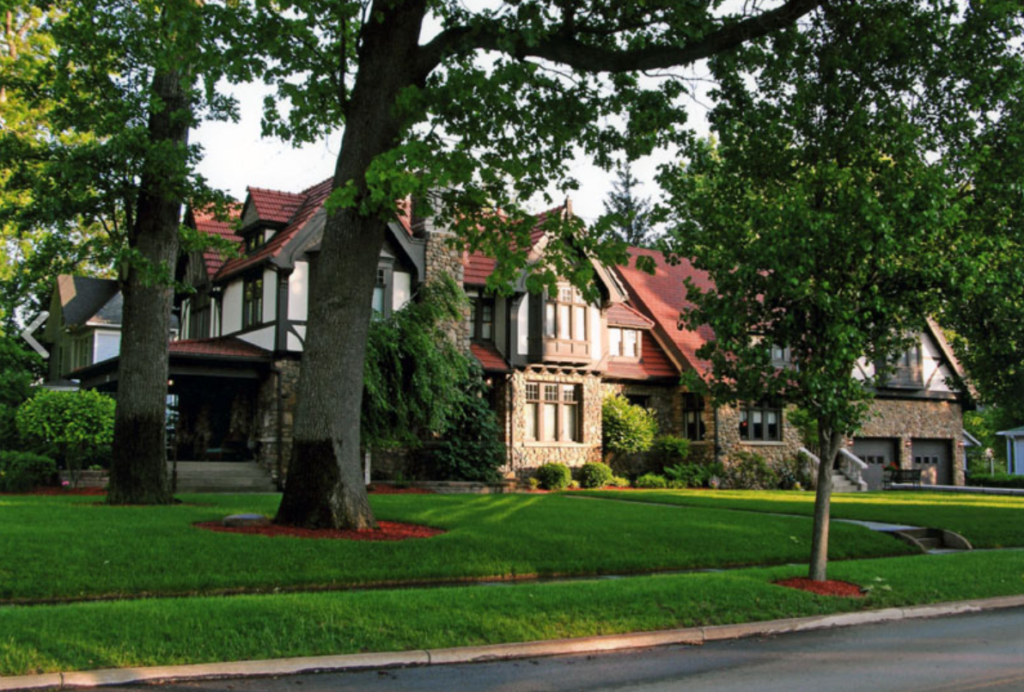 The Victorian Tudor Inn - Bellevue, OH